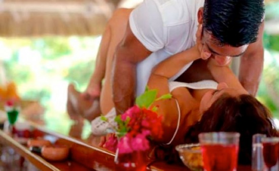 intimacy while on holiday - yummy