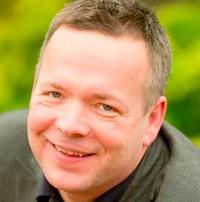 Bio picture of Leon Aarts from extraordinaryones.com